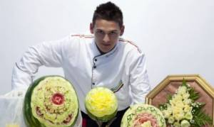 Ντανιέλε Μπαρέζι: Ένας σεφ- «γλύπτης» φρούτων και λαχανικών! (pics)