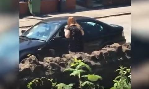 Απίστευτο βίντεο: Την απάτησε και... δείτε πώς τον εκδικήθηκε!
