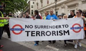 «Αστακός» η Βρετανία υπό το φόβο βίαιων συγκρούσεων