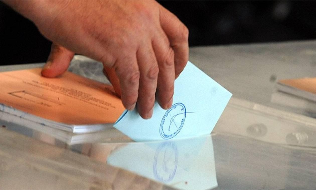 Δημοσκόπηση - «χαστούκι» για την κυβέρνηση: Παγιώνεται η διαφορά υπέρ της ΝΔ