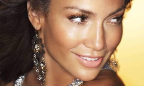 Η Jennifer Lopez και οι... κοιλιακοί της «ρίχνουν» το Instagram!