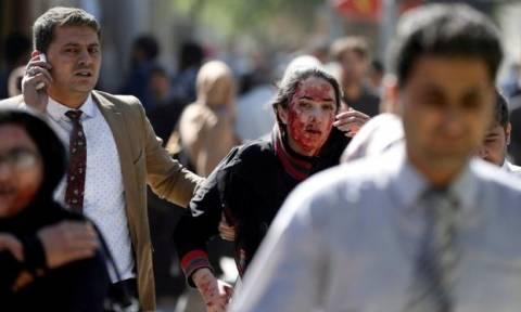 «Λουτρό αίματος» στο Αφγανιστάν: Περισσότεροι από 200 νεκροί και 700 τραυματίες (Pics+Vid)