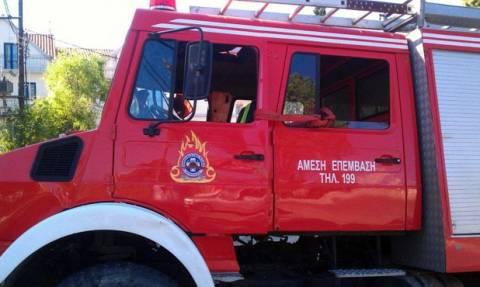 Φωτιά σε τουριστικό λεωφορείο στη Θεσσαλονίκη (vid)