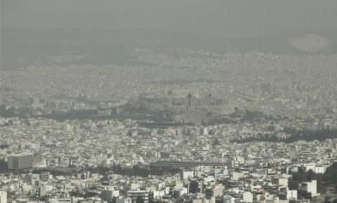 «Ασφυξία» στην Αθήνα: Πάνω από το όριο οι μετρήσεις για το όζον