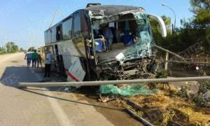 Σοκ στην Πάτρα: Λεωφορείο έσπειρε τον τρόμο (photos)