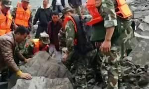 Φόβοι για νέα κατολίσθηση στην Κίνα - Οι διασώστες εγκατέλειψαν την περιοχή