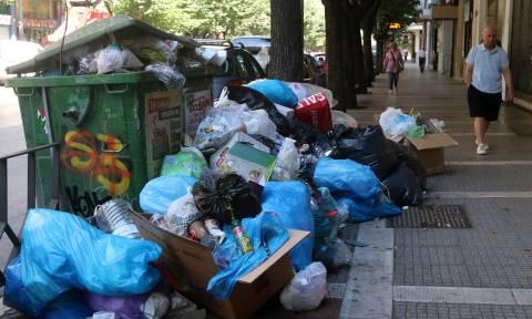 Εισαγγελική έρευνα για τα βουνά των σκουπιδιών