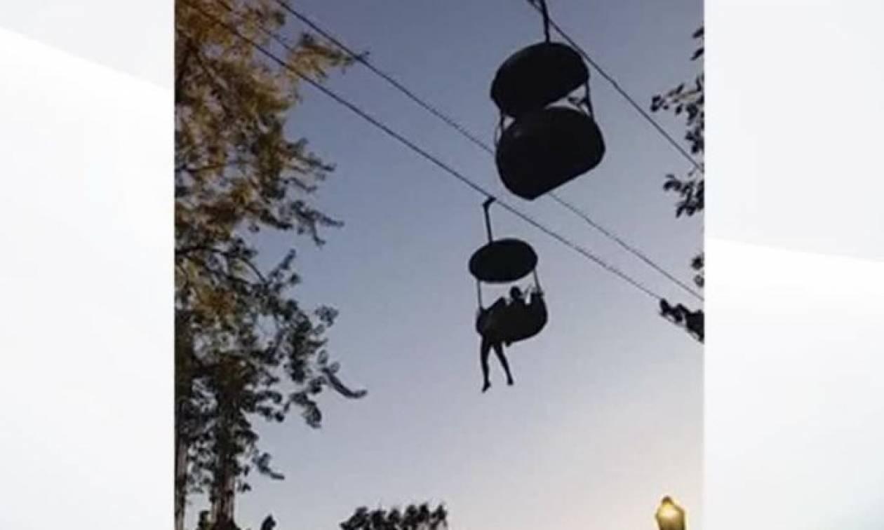 Δραματική διάσωση 14χρονης: Κρεμάστηκε στο κενό σε παιχνίδι του λούνα παρκ (vid)