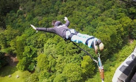 Bungee jumping: Βουτιά θανάτου για 17χρονη - Παράκουσε και βούτηξε στο κενό!