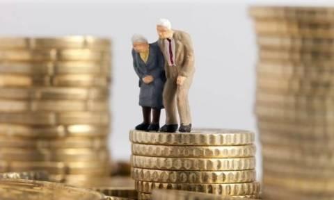 Συντάξεις Ιουλίου 2017: Πότε θα δουν τα λεφτά οι συνταξιούχοι - Δείτε τις ημερομηνίες