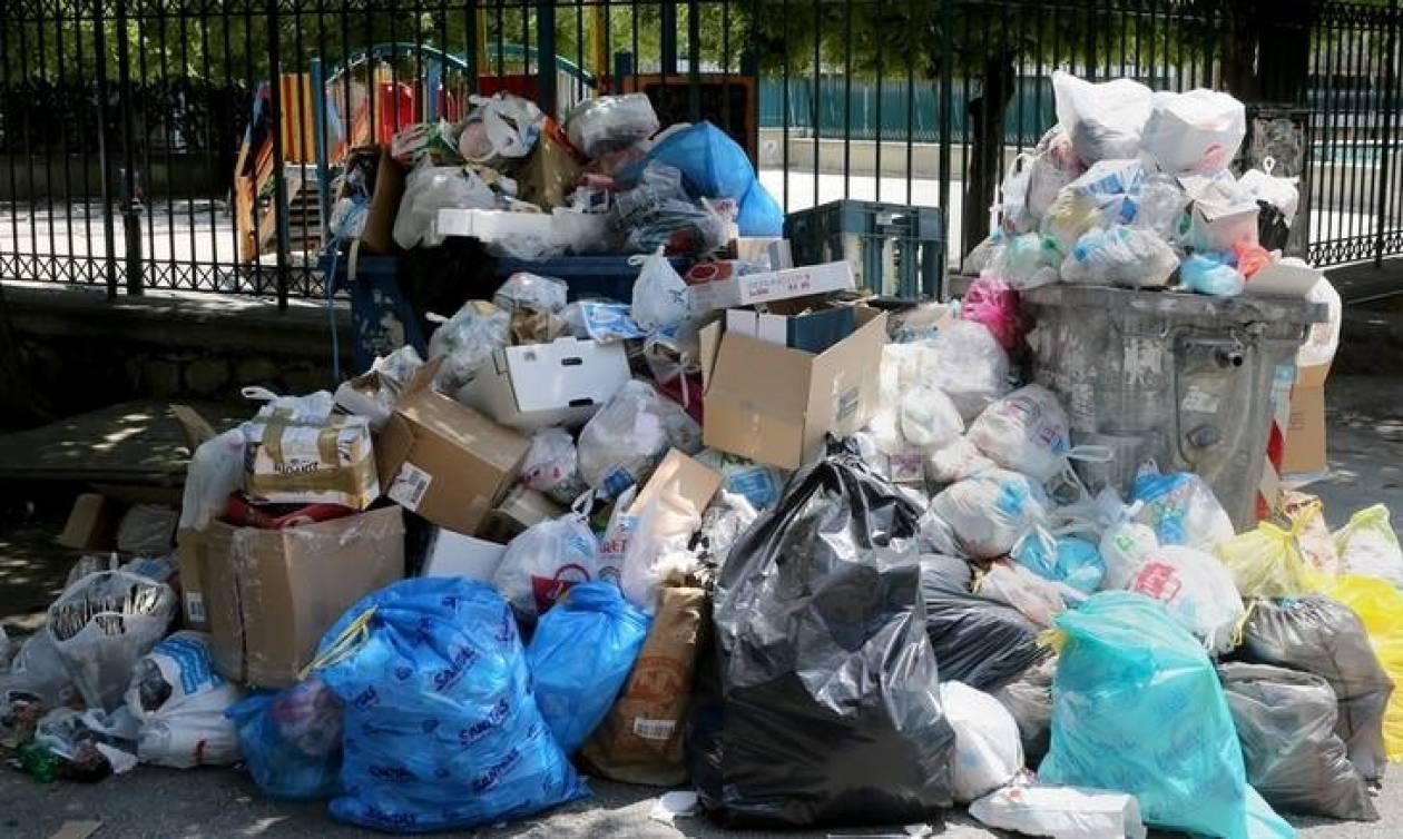 Σκουπίδια απεργία - ΠΟΕ – ΟΤΑ: Δεν πάμε για καφέ στο Μαξίμου