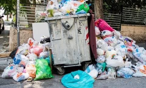 Ηράκλειο: Νέα κατάληψη στο αμαξοστάσιο του δήμου - «Βουνά» τα σκουπίδια στην πόλη