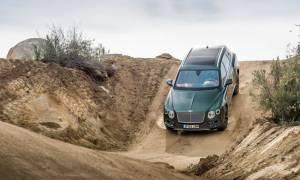 Τι δουλειά έχει ένα SUV στην έρημο;