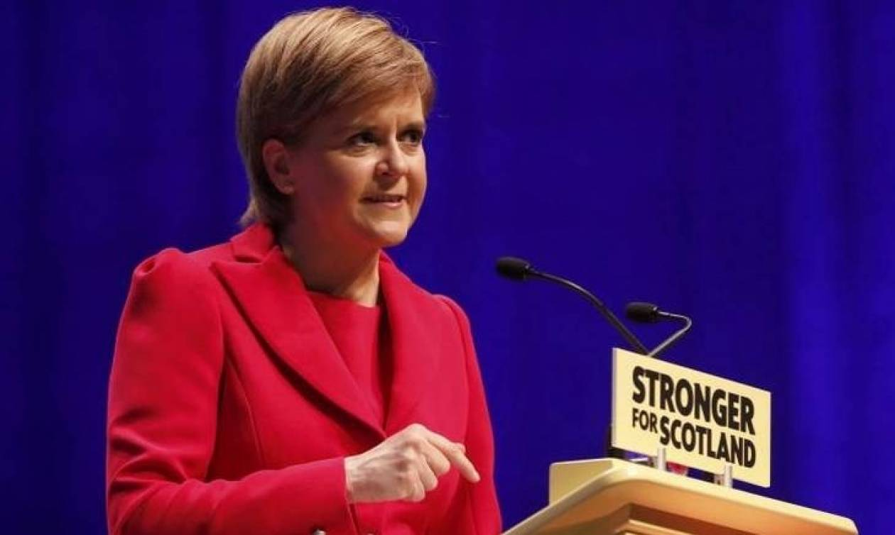 Η Στέρτζον ανέβαλε την απόφαση διεξαγωγής δημοψηφίσματος για την ανεξαρτησία της Σκωτίας