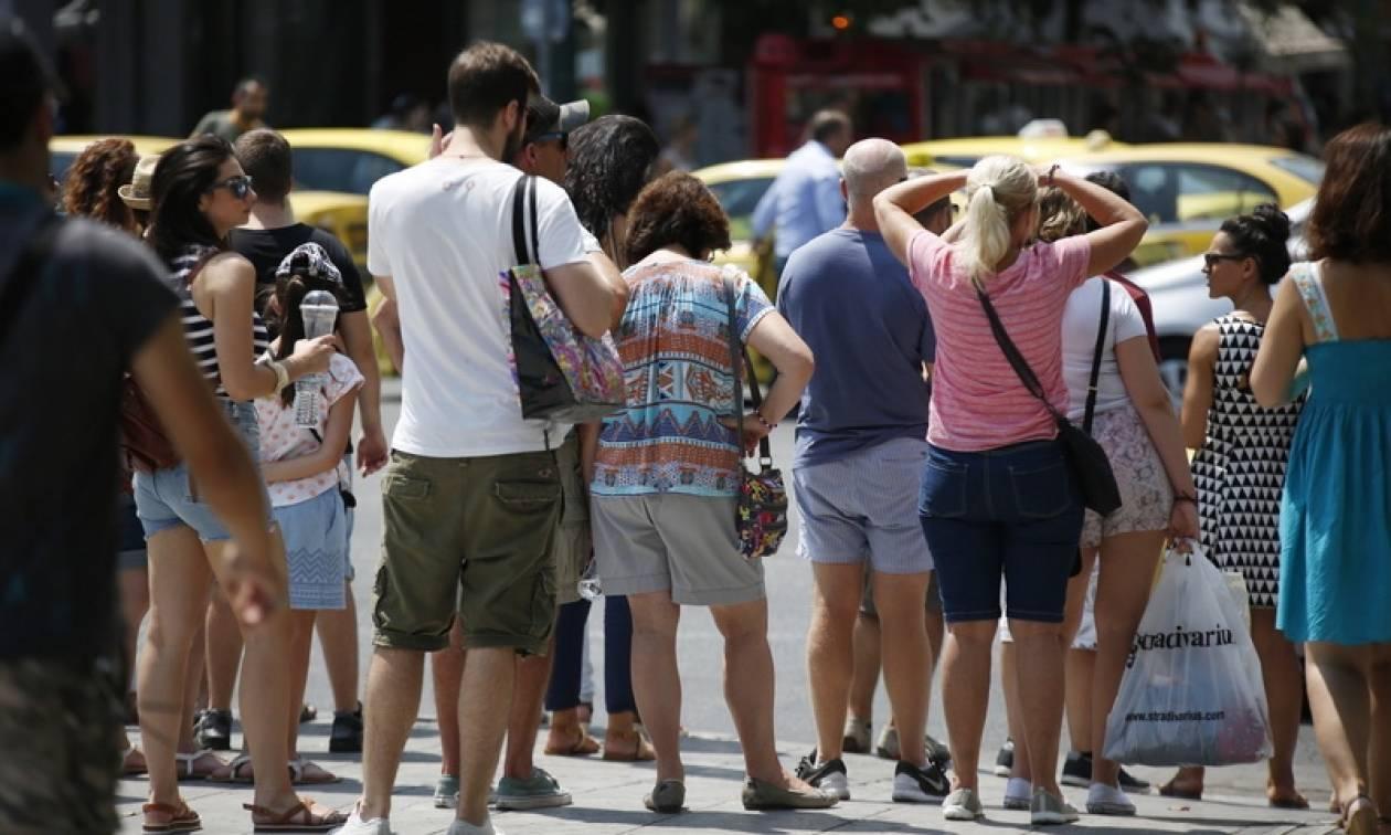 Καύσωνας: Κλιματιζόμενες αίθουσες σε Αθήνα και Πειραιά για τις υψηλές θερμοκρασίες