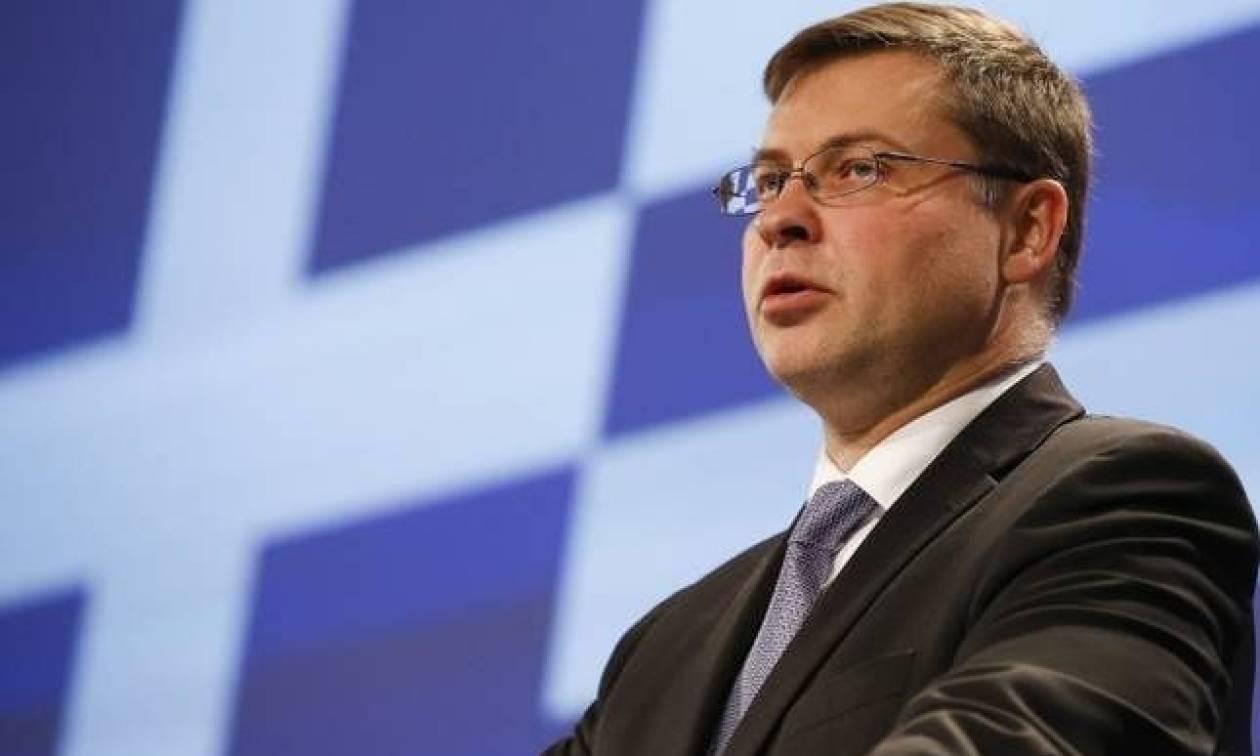 Εκβιασμός Ντομπρόβσκις: Λύστε το θέμα με τις διώξεις κατά στελεχών του ΤΑΙΠΕΔ, αλλιώς δεν έχει δόση!