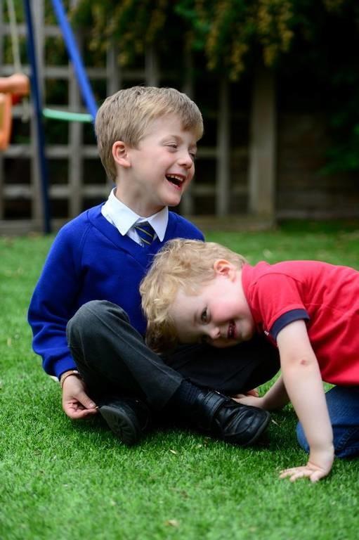 Απίστευτος άθλος 5χρονου: Έσωσε τη ζωή του αδελφού του που πνιγόταν! (pics)