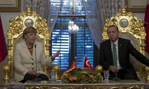 Γιατί ο Ερντογάν ζητά από τη Μέρκελ να του χαρίσει εννέα σκάφη;