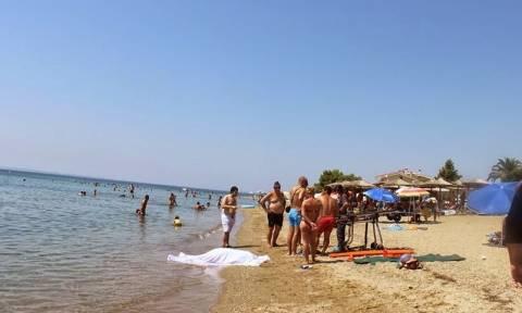 Τραγικό - Φθιώτιδα: Πνίγηκε και γύρω του κολυμπούσαν αδιάφορα