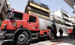 Φωτιά στα κρατητήρια της Αστυνομικής Διεύθυνσης Σάμου – Στο νοσοκομείο οκτώ άτομα