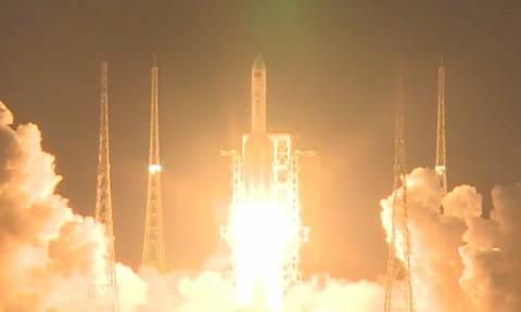 Αποτυχία για τον πύραυλο που θα μεταφέρει διαστημικό ρόβερ στη Σελήνη (Pic+Vid)