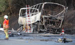 Τραγωδία στη Γερμανία: Ανατράπηκε λεωφορείο - Τουλάχιστον 18 αγνοούμενοι (Pics+Vid)