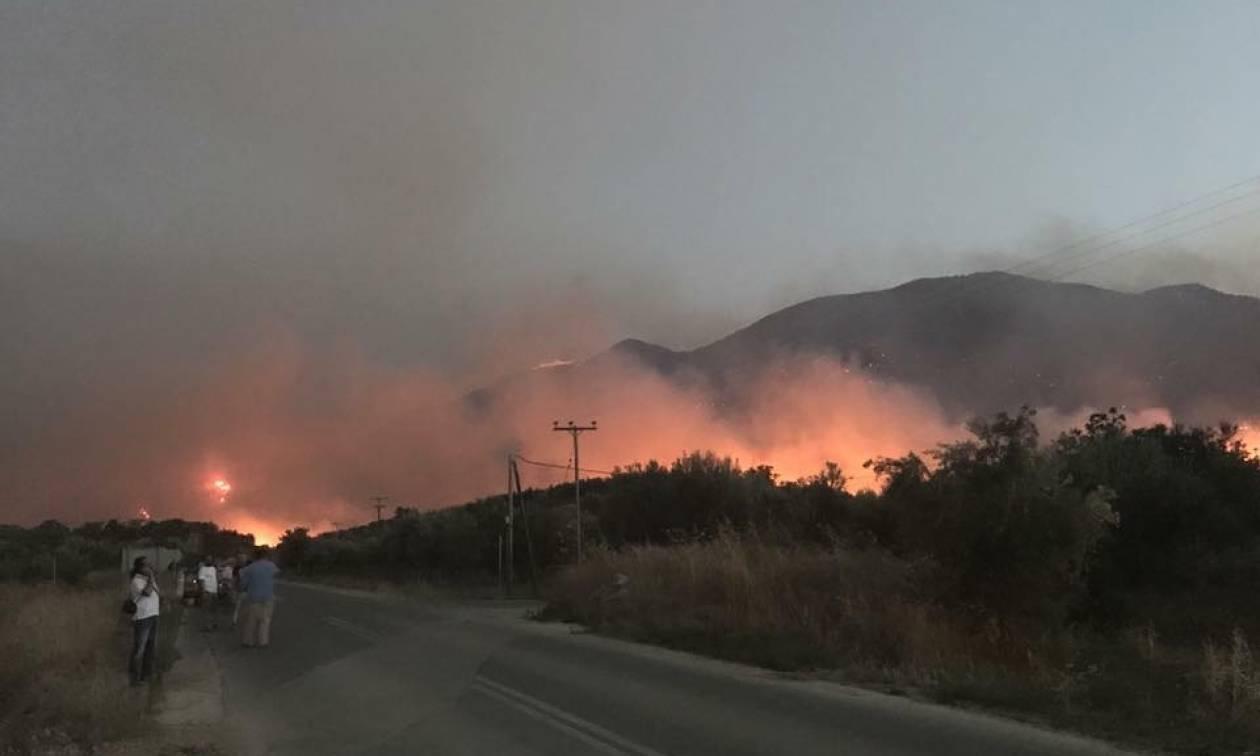 Φωτιά στη Μάνη: Κινδύνεψε να καεί ο δήμαρχος