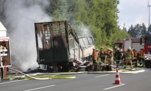 Πολύνεκρο τροχαίο με λεωφορείο στη Γερμανία: Οι 18 αγνοούμενοι είναι «πιθανόν» όλοι νεκροί