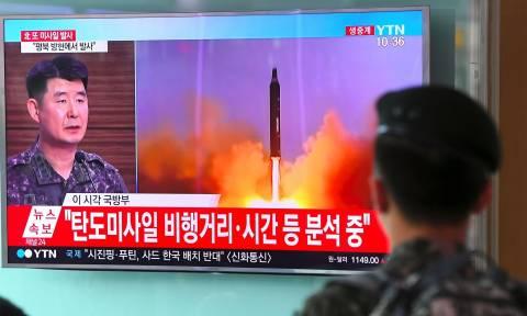 Παγκόσμιος τρόμος από την επιτυχημένη εκτόξευση διηπειρωτικού πυραύλου από τη Βόρεια Κορέα (Vid)