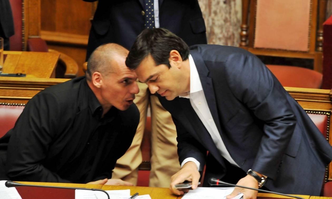 Ο Βαρουφάκης απαντά για το παράλληλο νόμισμα: Είχε συζητηθεί στο σπίτι του Τσίπρα!