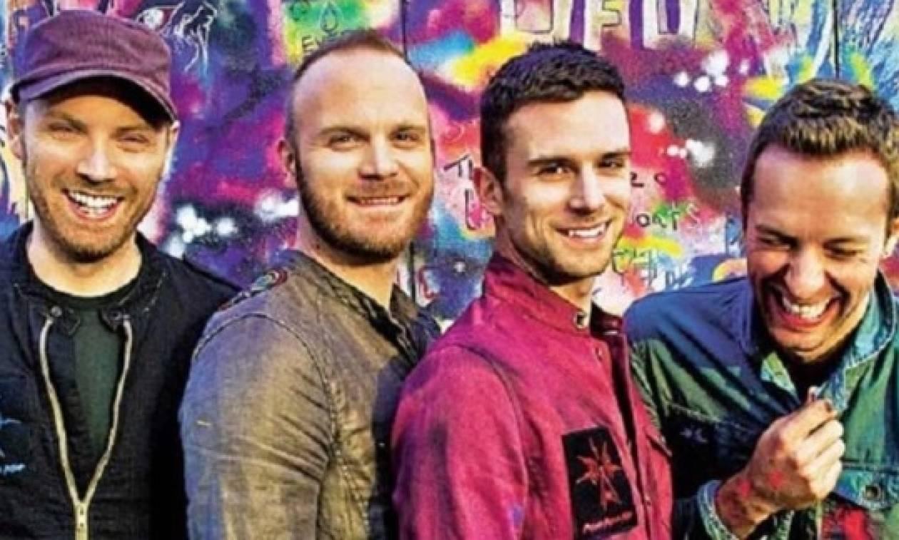 «Aliens»: το νέο σινγκλ των Coldplay για τη στήριξη των μεταναστών