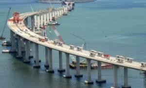 Εντυπωσιακό: Έτοιμο το βασικό τμήμα της μακρύτερης θαλάσσιας γέφυρας στον κόσμο! (pics)