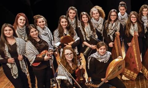 Μήνυμα ειρήνης από την ορχήστρα «Οι κόρες της Ιερουσαλήμ» στο Θέατρο Βράχων