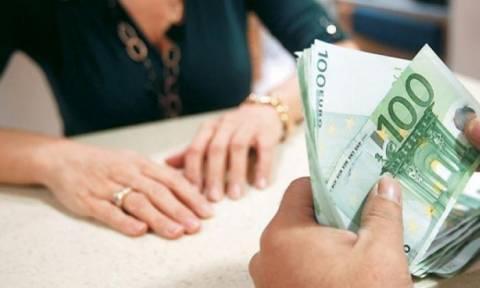 Χαλκίδα: Τραπεζική υπάλληλος προφυλακίστηκε για υπεξαίρεση 5.5 εκατ. ευρώ