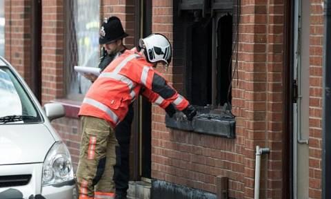 Βρετανία: Ξεκληρίστηκε οικογένεια έπειτα από φωτιά σε διαμέρισμα (pics+vids)