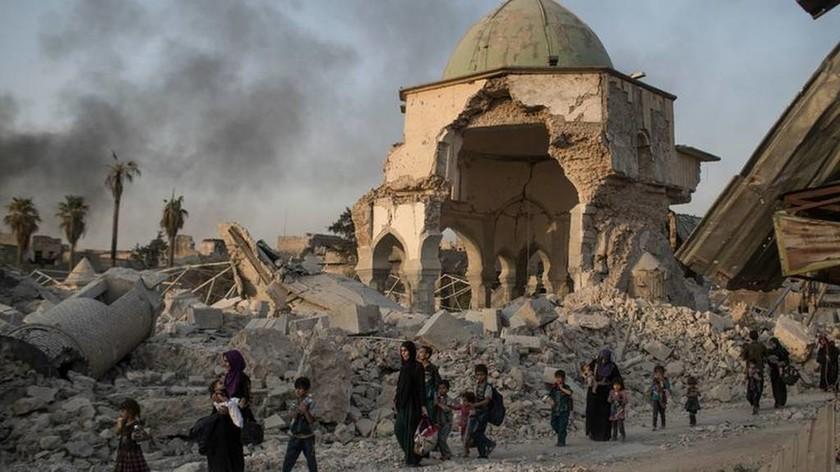 «Έπεσε» η Μοσούλη – Σε άτακτη φυγή οι τζιχαντιστές του ISIS (Vids+Pics)