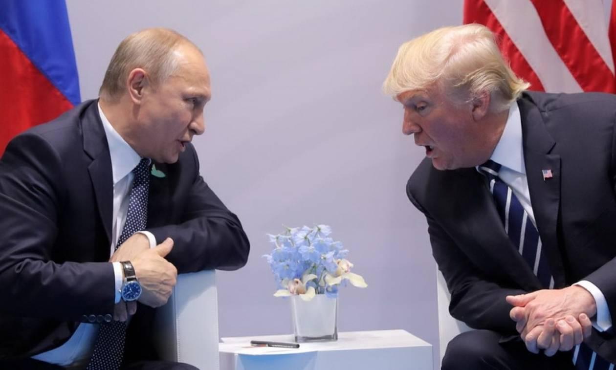 Τραμπ για Πούτιν: «Τα πάμε πολύ καλά»