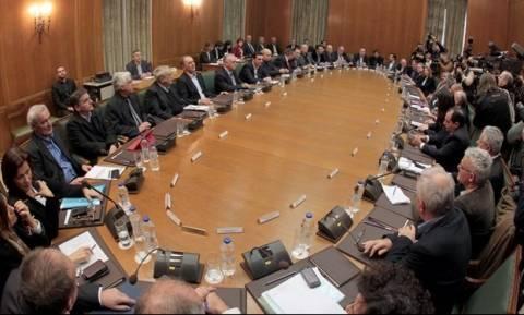 «Χαστούκι» ΟΟΣΑ στο Μαξίμου: Μόνο το 13% των πολιτών εμπιστεύεται την κυβέρνηση