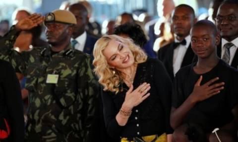 Η Μαντόνα κηρύχθηκε «Κόρη του Μαλάουι»