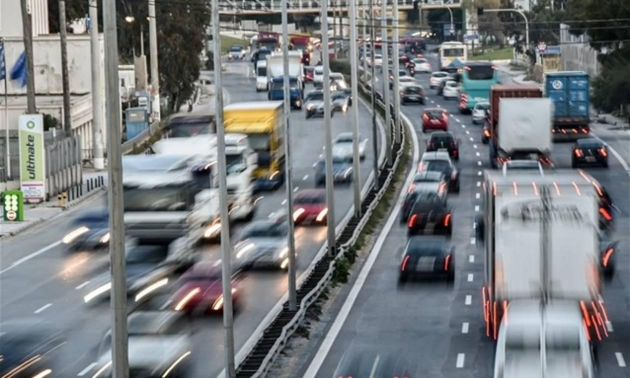 Κυκλοφοριακό «έμφραγμα» στους δρόμους της Αθήνας – Ποια σημεία να αποφύγετε