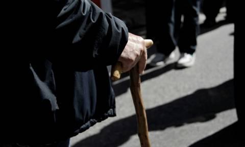 Ναύπακτος: Παππούς ξυλοφόρτωσε επίδοξους ληστές