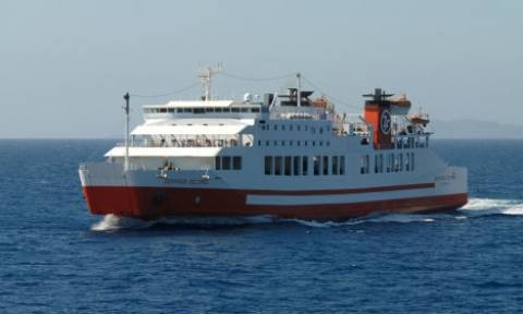 Ταλαιπωρία για τους 851 επιβάτες του «Διονύσιος Σολωμός»
