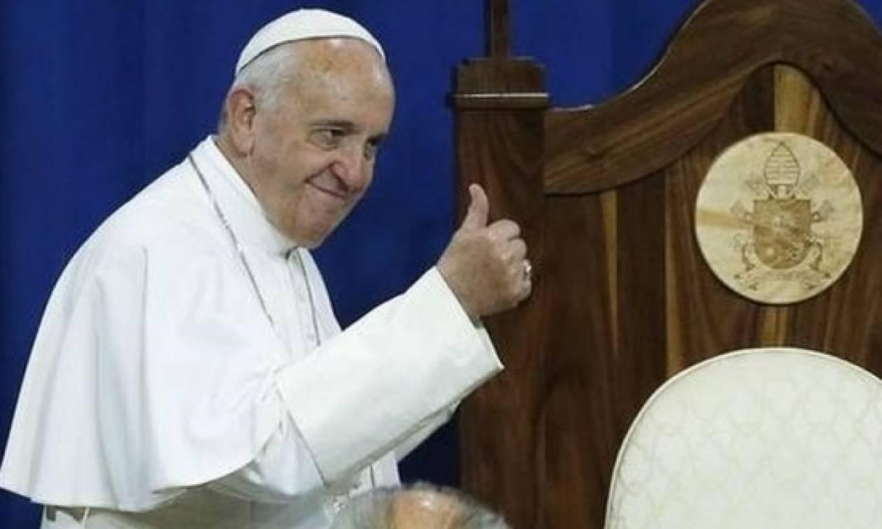 Βατικανό: Απίστευτη ταμπέλα έξω από το διαμέρισμα του Πάπα!