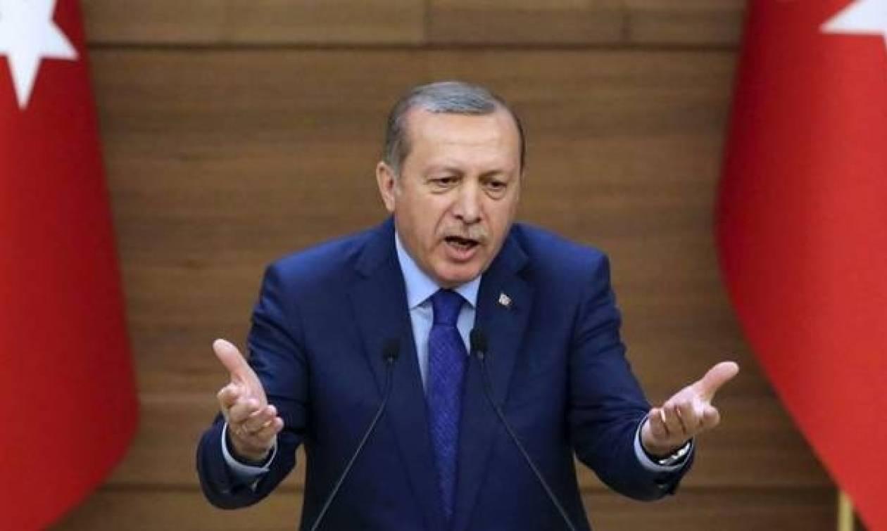 Τουρκία: Στη φυλακή δημοσιογράφος που μίλησε για το πραξικόπημα και κατά του Ερντογάν