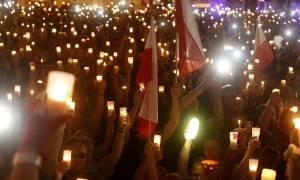Πολωνία: Χιλιάδες στους «δρόμους» ενάντια στο «νομοσχέδιο της ντροπής» (Vid)
