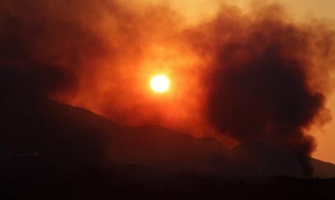 Φωτιά ΤΩΡΑ: Μεγάλη πυρκαγιά στο Βαθύ της Σάμου
