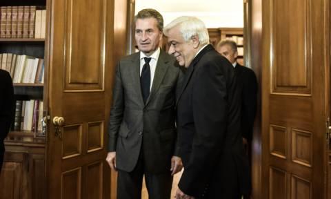 Έτινγκερ: Η Ελλάδα γίνεται όλο και πιο αξιόπιστη και μπορεί να βγει στις αγορές