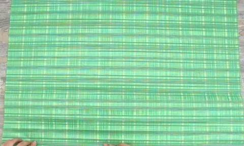 Σας μαθαίνουμε να τυλίγετε τα δώρα σας σε σχήμα... πουκάμισο (video)