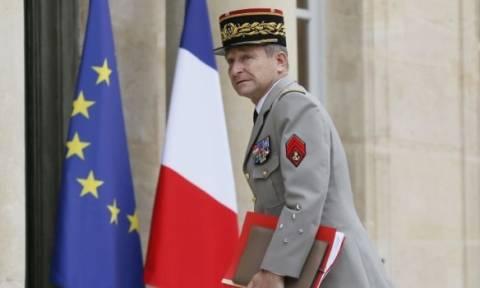 Ποιος είναι στρατηγός που παραιτήθηκε από την ηγεσία των ενόπλων δυνάμεων της Γαλλίας