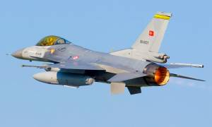 Νέο μπαράζ παραβιάσεων από τουρκικά μαχητικά πάνω από το Αιγαίο